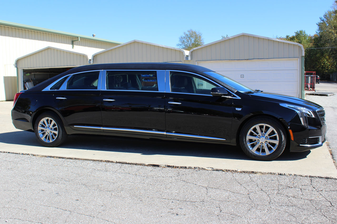 2018-Cadillac-XTS-Raised-Roof-Limousine-1