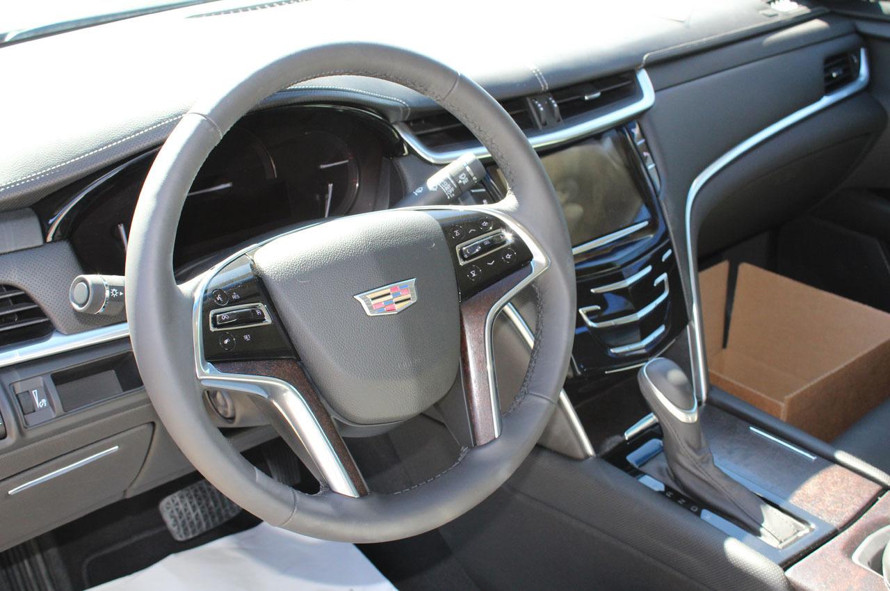 2018-Cadillac-XTS-Raised-Roof-Limousine-3