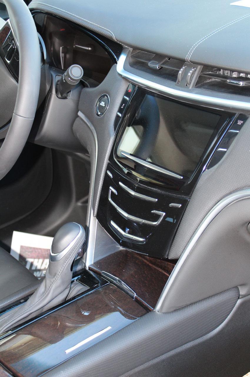 2018-Cadillac-XTS-Raised-Roof-Limousine-7