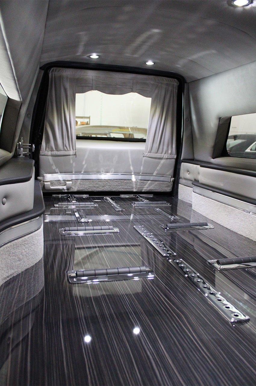 Cadillac-XTS-Kensington-Coach-Hearse-Eagle-Federal-14