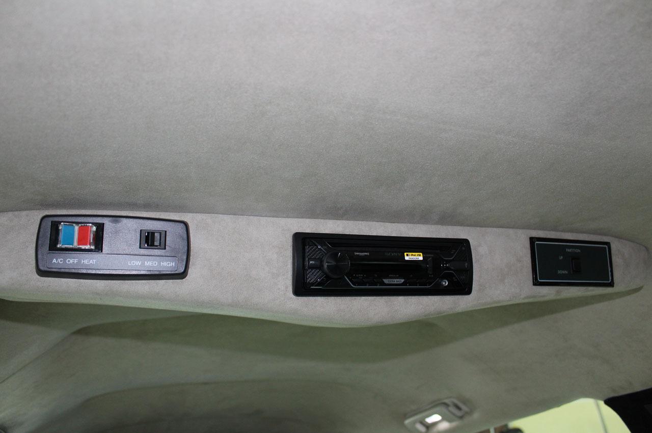 2018-cadillac-xts-raised-roof-70-limousine-5