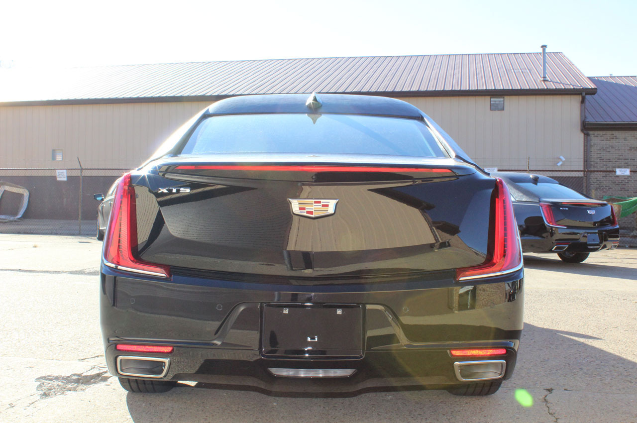 2018-cadillac-xts-raised-roof-70-limousine-8