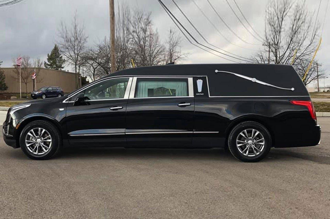 Cadillac-Heritage-XT5-Coach-Hearse-Federal-Coach-Company-4