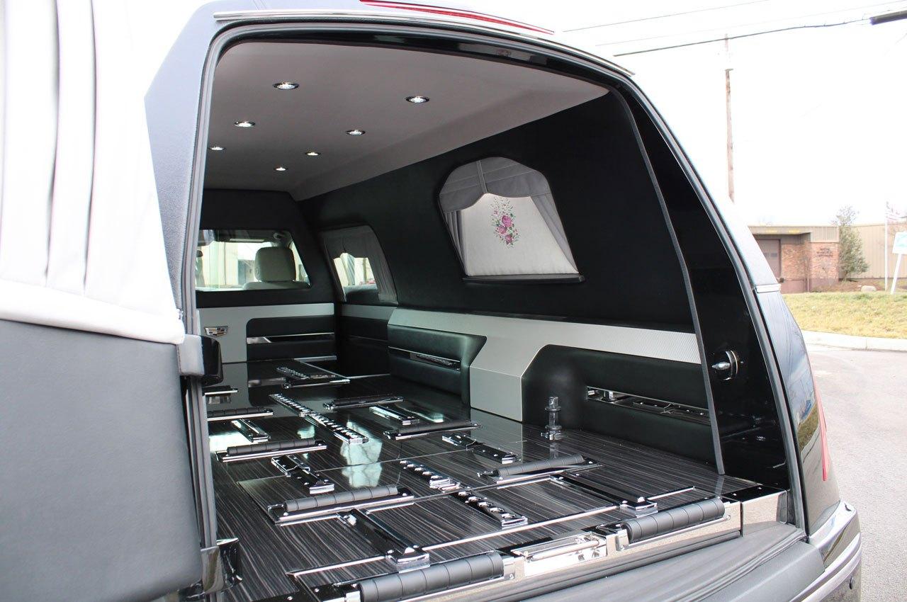 Cadillac-Heritage-XT5-Coach-Hearse-Federal-Coach-Company-8