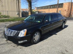 2010 CADILLAC SUPERIOR SIX DOOR USED LIMOUSINE
