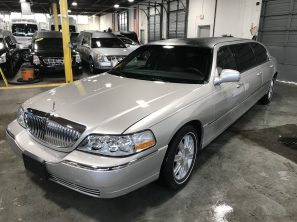 2011 LINCOLN SUPERIOR USED SIX DOOR FUNERAL LIMOUSINE