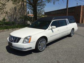 2006 CADILLAC SUPERIOR STATESMAN OVAL WINDOW USED FUNERAL HEARSE