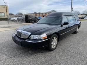 2010 LINCOLN SUPERIOR USED FUNERAL HEARSE