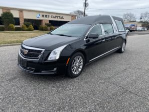 2017 CADILLAC S&S MASTERPIECE USED FUNERAL HEARSE