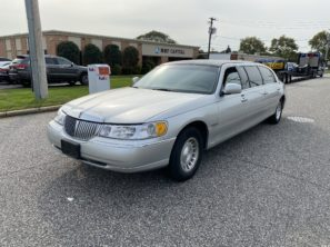 2000 LINCOLN SUPERIOR USED SIX DOOR FUNERAL LIMOUSINE
